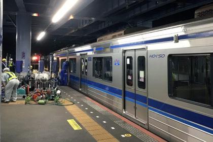 脱線した本件列車(提供:げんこつ氏)
