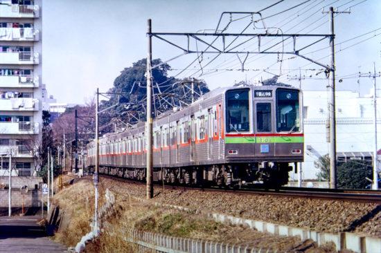 新京成線に乗り入れ松戸を目指す公団2000形
